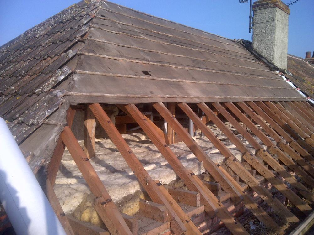 A Re Roofing Project At Taunton Somerset. On This Project The Whole Roof  Was Stripped Off Re Felted, Battened And Re Tiled Using The Existing Tiles.